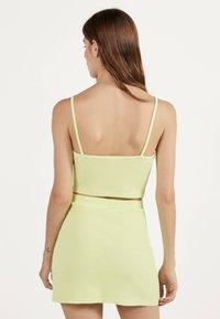 Bershka - KURZER BLEISTIFTROCK 00585019 - A-line skirt - neon yellow - 2