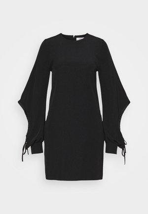 DRAWSTRING SLEEVE SHIFT DRESS - Cocktailjurk - black