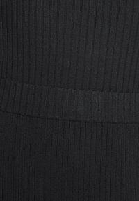 Monki - LOA SKIRT - Pencil skirt - black - 4