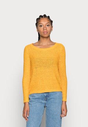 ONLGEENA - Neule - golden yellow