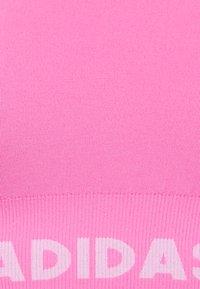 adidas Performance - AEROKNIT - Reggiseno sportivo con sostegno leggero - screaming pink - 2