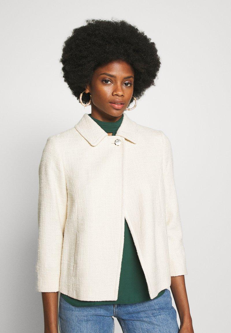 comma - OUTDOOR - Lehká bunda - white