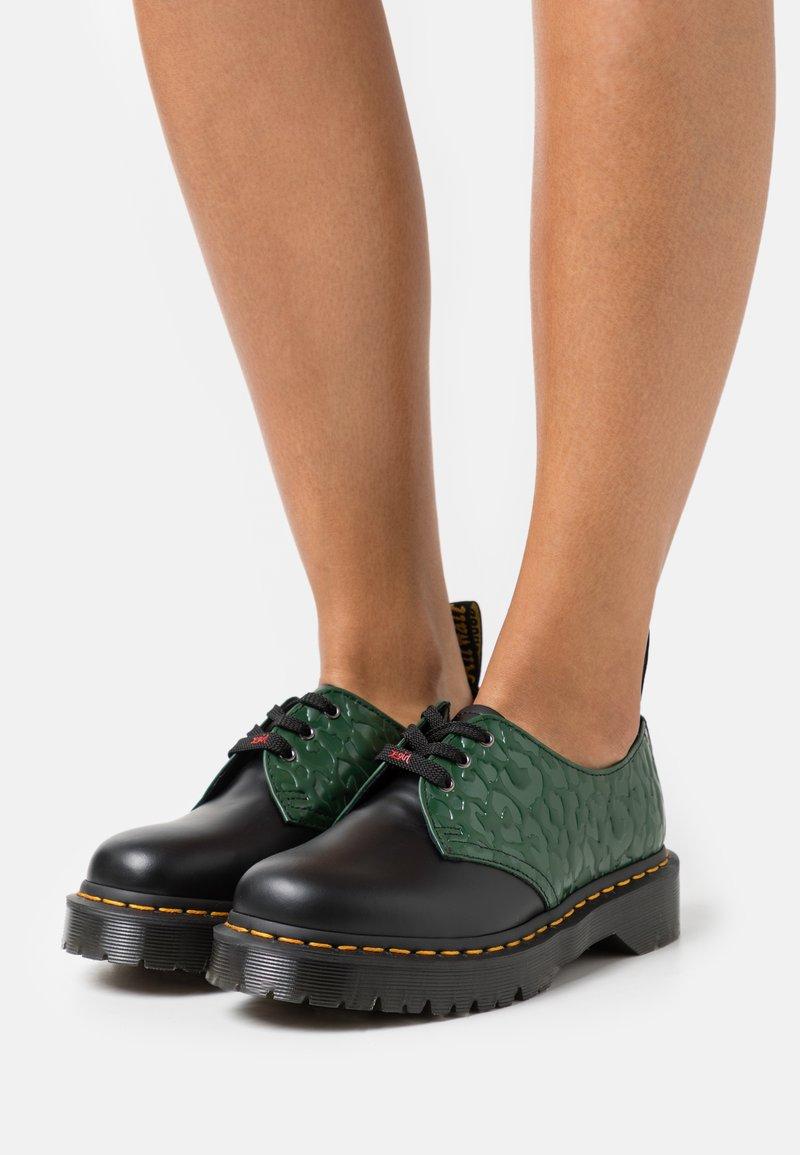 Dr. Martens - 1461 BEX X-GIRL - Nauhakengät - black/smooth green