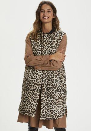 KAMORIANA - Waistcoat - light brown leo print