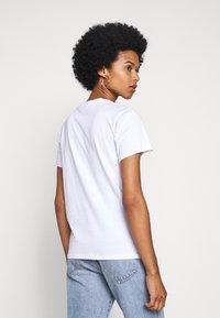 Fiorucci - VINTAGE LIGHTS TEE - T-shirt con stampa - white - 2