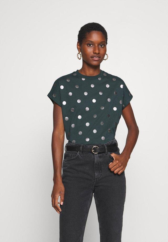 Print T-shirt - green gables