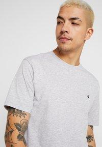 Volcom - STONE BLANKS - Basic T-shirt - mottled light grey - 3