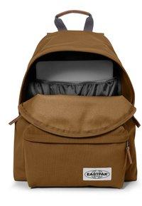 Eastpak - PADDED PAK'R - Mochila - graded brown - 4