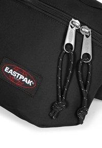 Eastpak - BANE - Bältesväska - black - 2