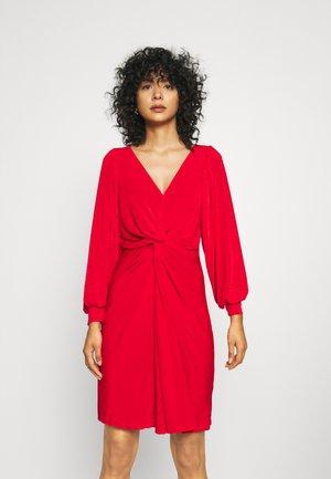 LONDON TWIST PENCIL DRESS - Jersey dress - red