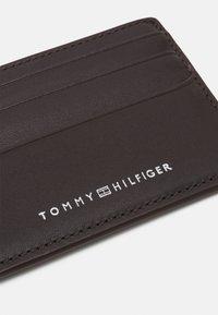 Tommy Hilfiger - HOLDER UNISEX - Wallet - brown - 3