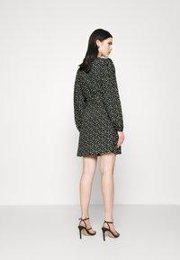 Envii - RYE DRESS - Korte jurk - flowerbed - 2