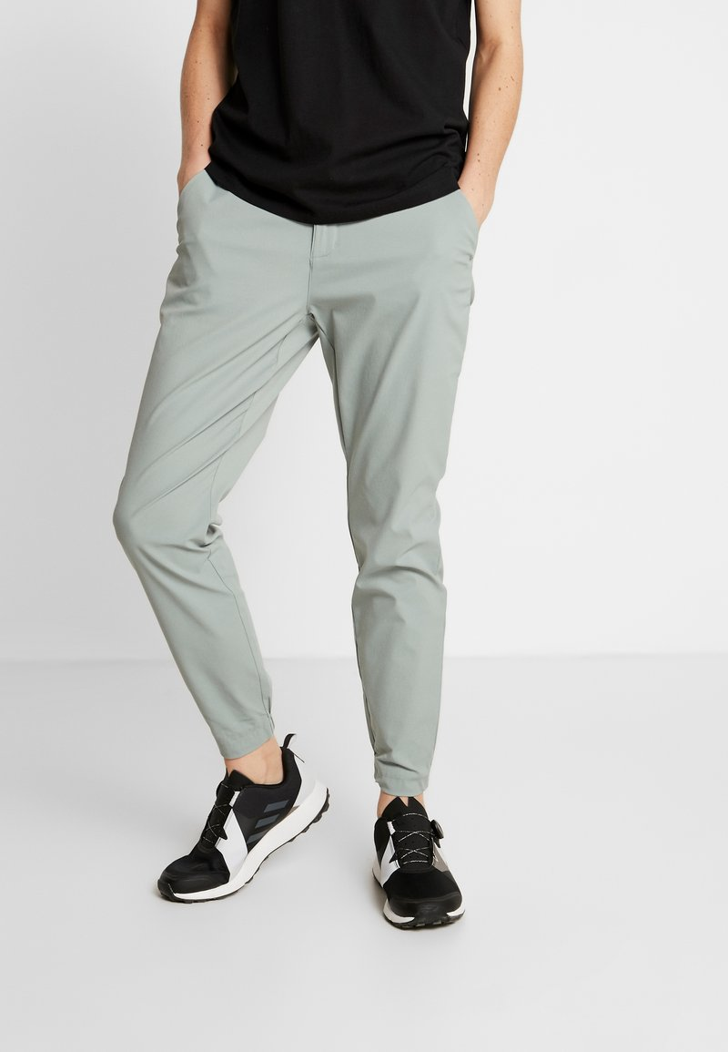 Columbia - FIRWOOD CAMP PANT - Trousers - light lichen