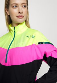 Puma - TRAIN FIRST MILE XTREME JACKET - Trainingsvest - fizzy yellow/luminous pink /black - 4