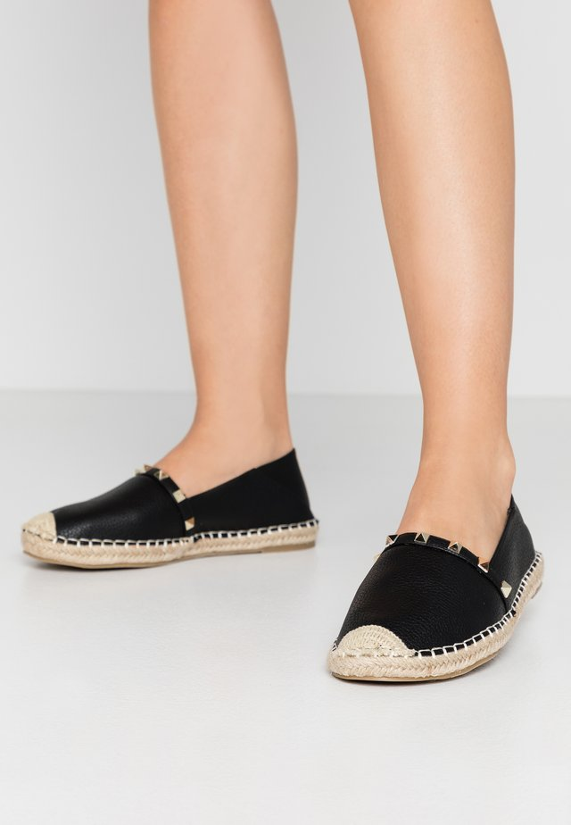 WIDE FIT TANISHA - Espadrillot - black