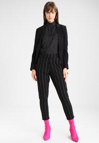 Minimum - TARA  - Short coat - black - 1