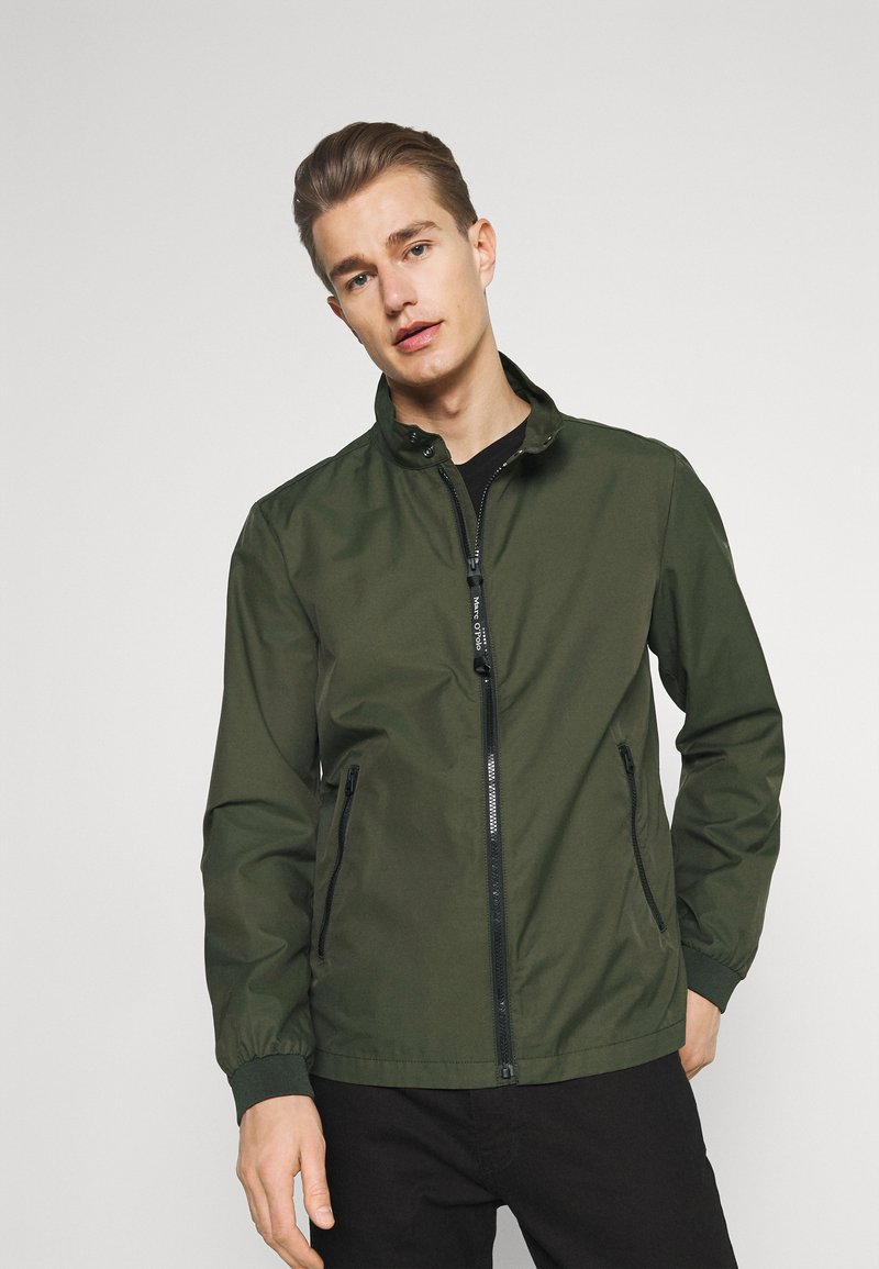Marc O'Polo - JACKET REGULAR FIT STAND UP COLLAR - Summer jacket - dried herb