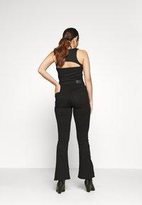 Gina Tricot Petite - NATASHA  - Bootcut jeans - black - 2