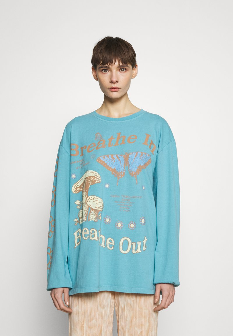 BDG Urban Outfitters - BREATHE IN BREATHE OUT SKATE - Maglietta a manica lunga - blue