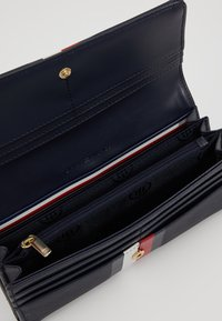 Tommy Hilfiger - HONEY FLAP WALLET CORP - Wallet - blue