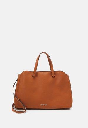 TOTE - Across body bag - brown