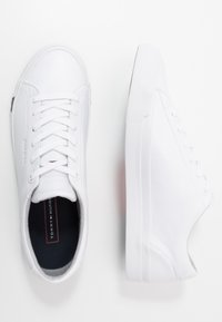 Tommy Hilfiger - CORPORATE - Sneakers laag - white - 1