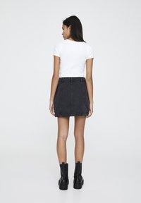 PULL&BEAR - Denim skirt - black - 2