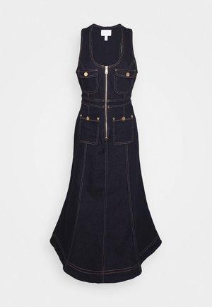 CLUB NOIR DRESS - Denimové šaty - indigo