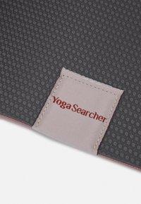 Yogasearcher - COMFORT YOGA MAT 5MM - Fitness/yoga - blush - 4