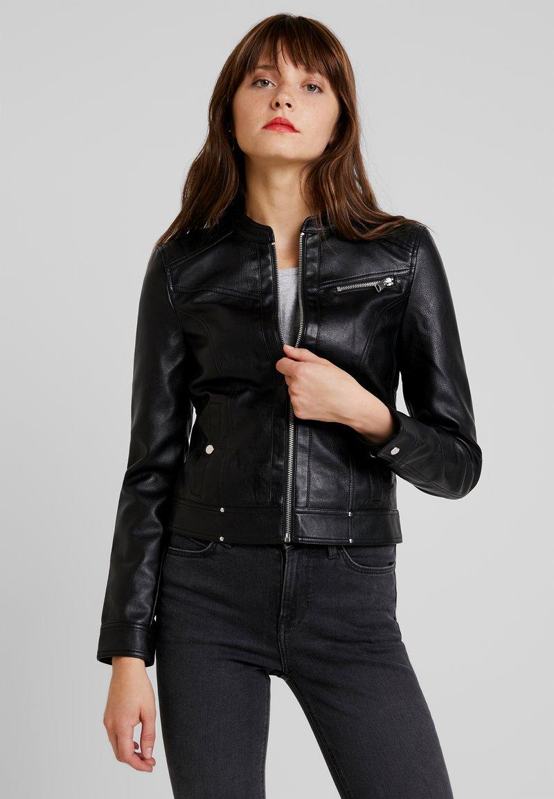 Vero Moda - VMSHEENA SHORT JACKET - Imiteret læderjakke - black