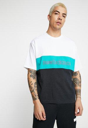 ATHLETICS CLASSIC  - T-shirt med print - verdite