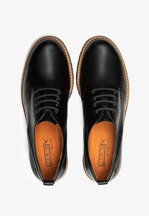 PIKOLINOS LEDERSPORTLICHER SCHNÜRER VICAR W0V - Zapatos de vestir - black