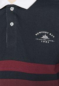 Newport Bay Sailing Club - CORE STRIPE RUGBY - Polo shirt - navy - 5