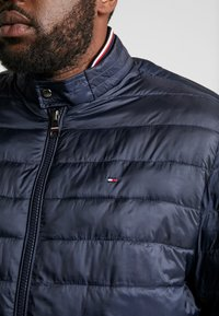 Tommy Hilfiger - ARLOS - Light jacket - blue - 5