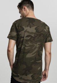 Urban Classics - Print T-shirt - olive - 1