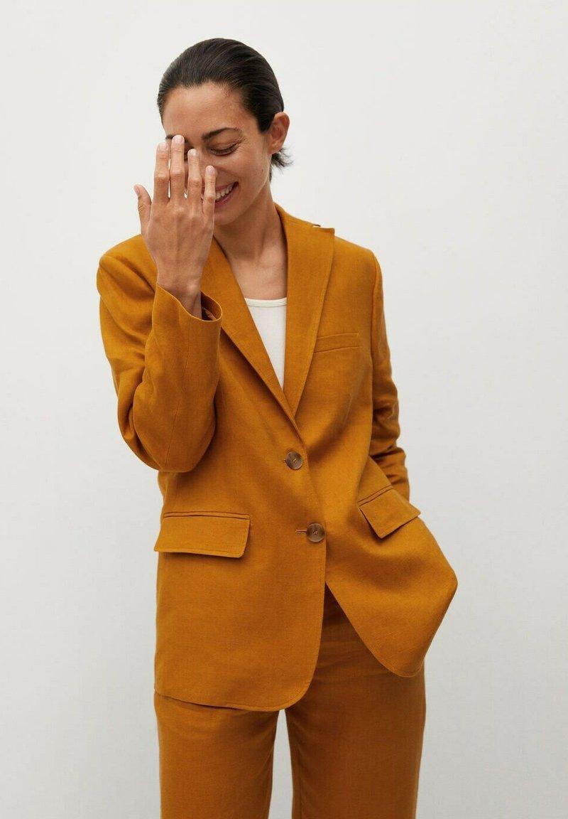 Mango - PERTH-I - Blazer - rouge-orangé