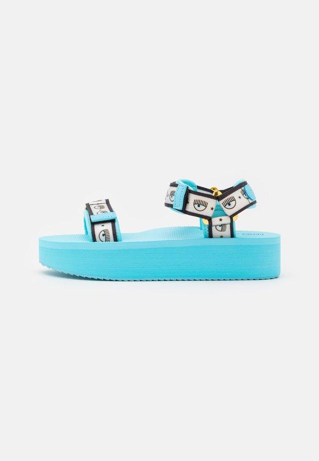 LOGOMANIA - Sandały na platformie - turquoise