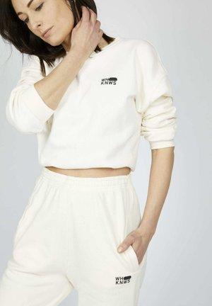 ICON - Pantalones deportivos - snow white