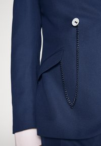 Shelby & Sons - WATERSIDE WITH CHAIN DETAIL - Puku - blue - 8