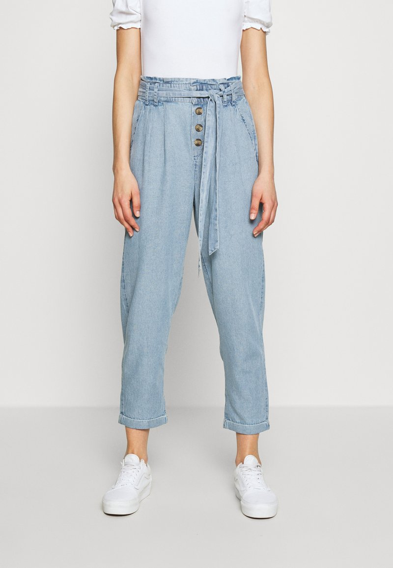 American Eagle - BUTTON FRONT PAPERBAG TAPER PANTS - Trousers - light blue