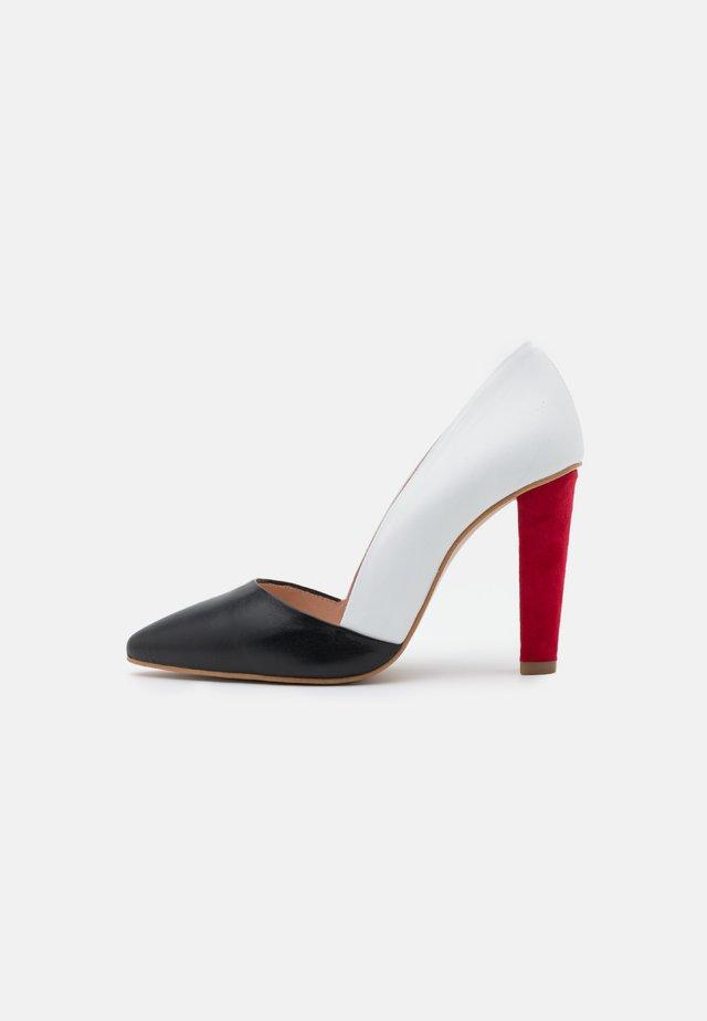 Classic heels - multicolor