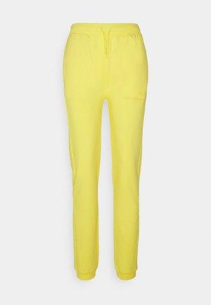 AMANDA PANTS - Teplákové kalhoty - goldfinch