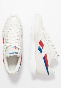 Reebok Classic - CLASSIC  - Sneakersy niskie - chalk/red/blu - 3