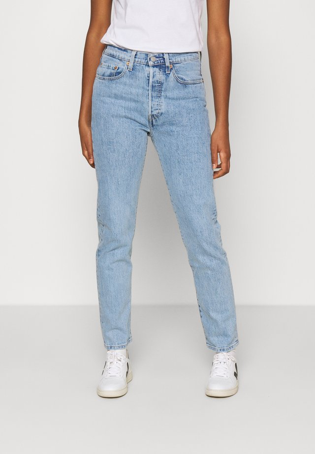 501® CROP - Jeansy Slim Fit - tango surge