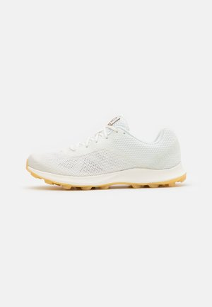 MTL SKYFIRE UNDYED - Trail running shoes - white