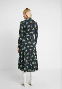 Résumé - SOFIE DRESS - Žerzejové šaty - black - 2