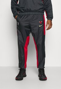 Nike Performance - NBA CHICAGO BULLS CITY EDITION TRACKSUIT SET - Equipación de clubes - anthracite/university red - 3
