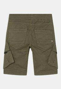 Vingino - CLIFF - Shorts - army green - 1