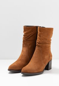 Tamaris - Classic ankle boots - muscat - 4