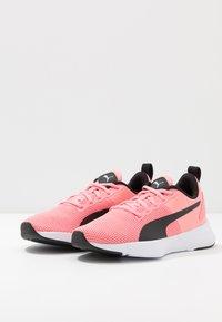 Puma - FLYER RUNNER JR UNISEX - Neutral running shoes - salmon rose/black/white - 3